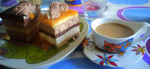 merienda café y pastel alba hogar