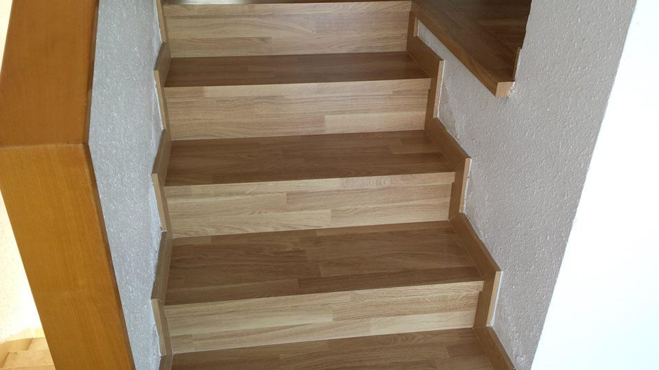 Revestir una escalera con parquet o laminado - Como se hacen escaleras de madera ...