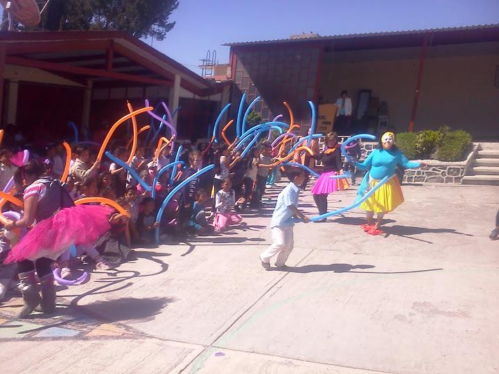 FESTIVAL DIA DEL NIÑO EN LA ESCUELA....2012