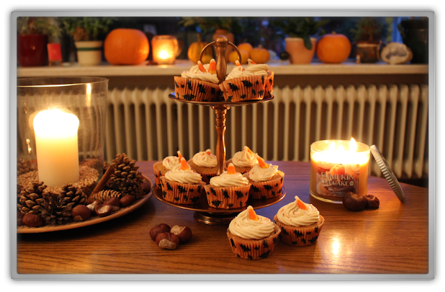 Pumpkin Spice Cupcakes with Cream Cheese Frosting autumn fall halloween candle bath body works beauty blogger cozy copper