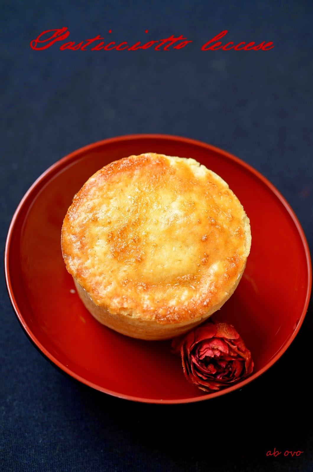 Pasticciotto-leccese-crema-e-amarena