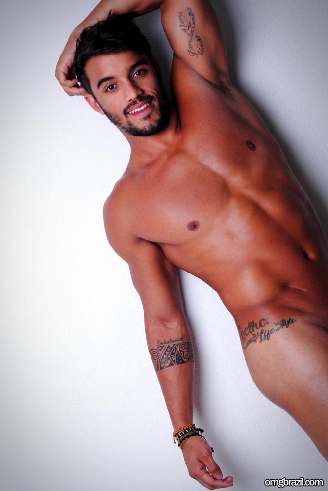 Ex-BBB André Coelho pelado (10)
