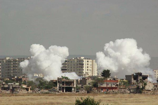 Η Τουρκία βομβαρδίζει τους Κούρδους με λευκό φώσφορο! και δεν μιλάει κάνεις ΟΗΕ!Δείτε βίντεο
