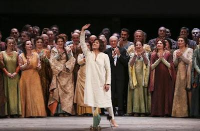 buongiornolink - Scala trionfa Giovanna d'Arco, tornata dopo 150 anni