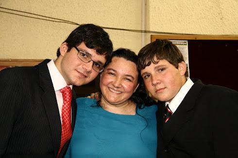 Meus amados filhos Daniel e Matheus