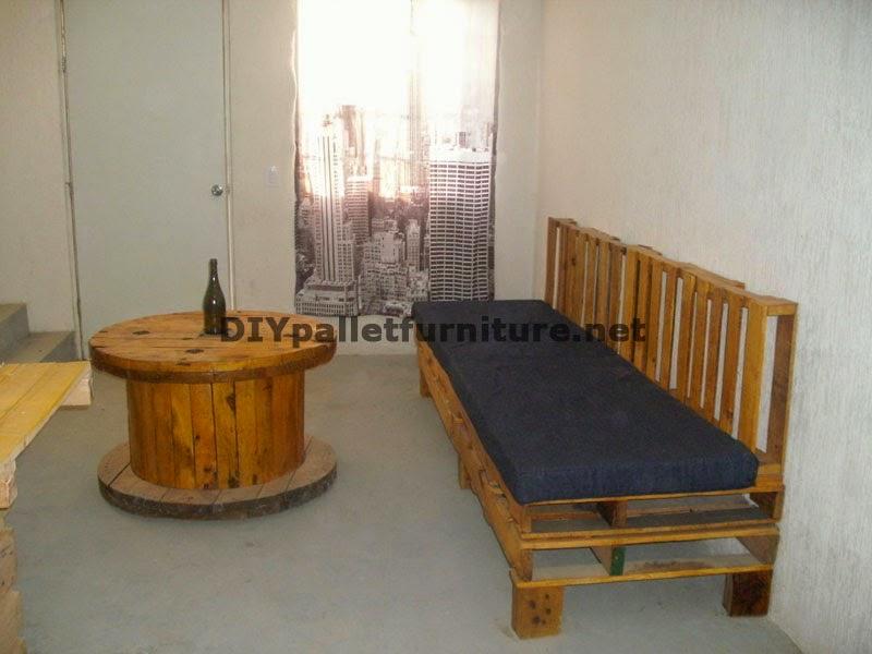 mueblesdepaletsnet set de muebles de sofa con palets y mesa con bobina de madera