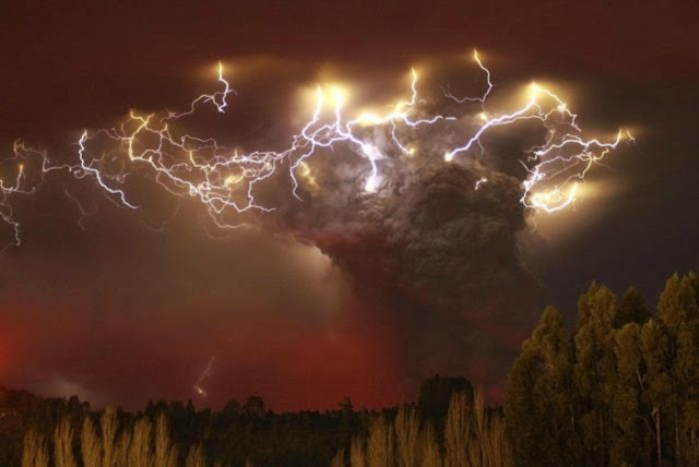 Volcano Lightning Pictures