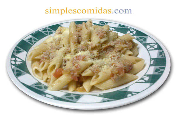 pasta con atun y tomates