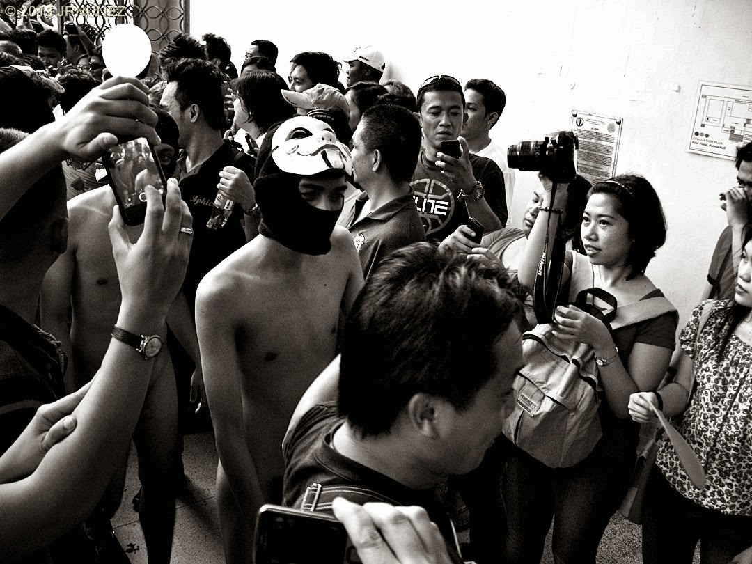 oblation run essay Check out our photos from the up oblation run 2015 from mixed reactions to blatant nudity for a cause, feast your eyes on this annual up diliman tradition.
