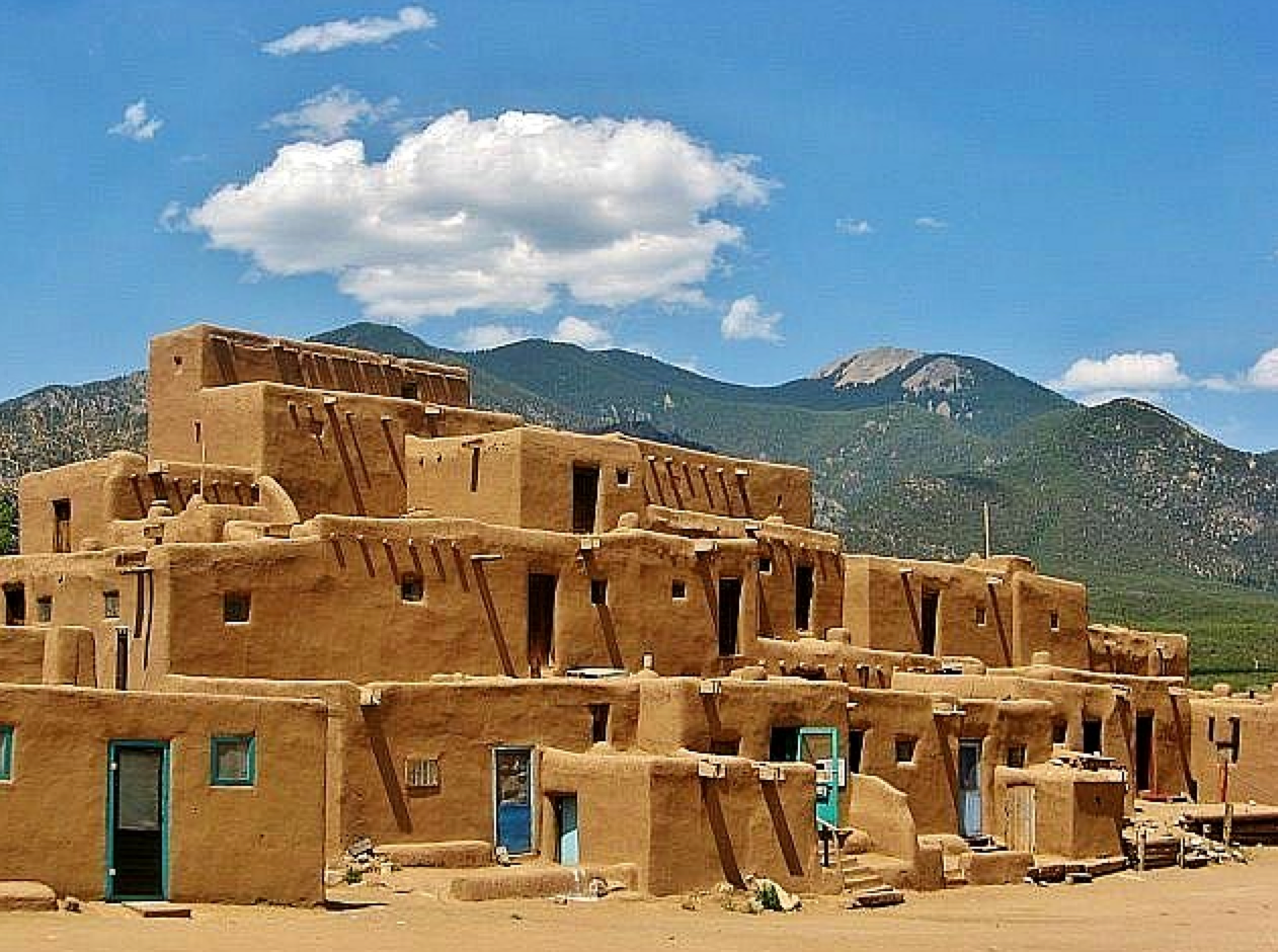 An art teacher in denver visiting historic pueblo de tao 39 s for Pueblo home builders