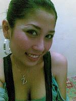 Gadis Melayu Bertindik