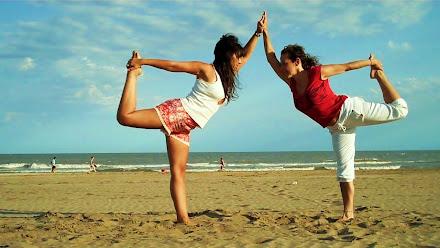 Yoga en Dupla. Natarajasana.