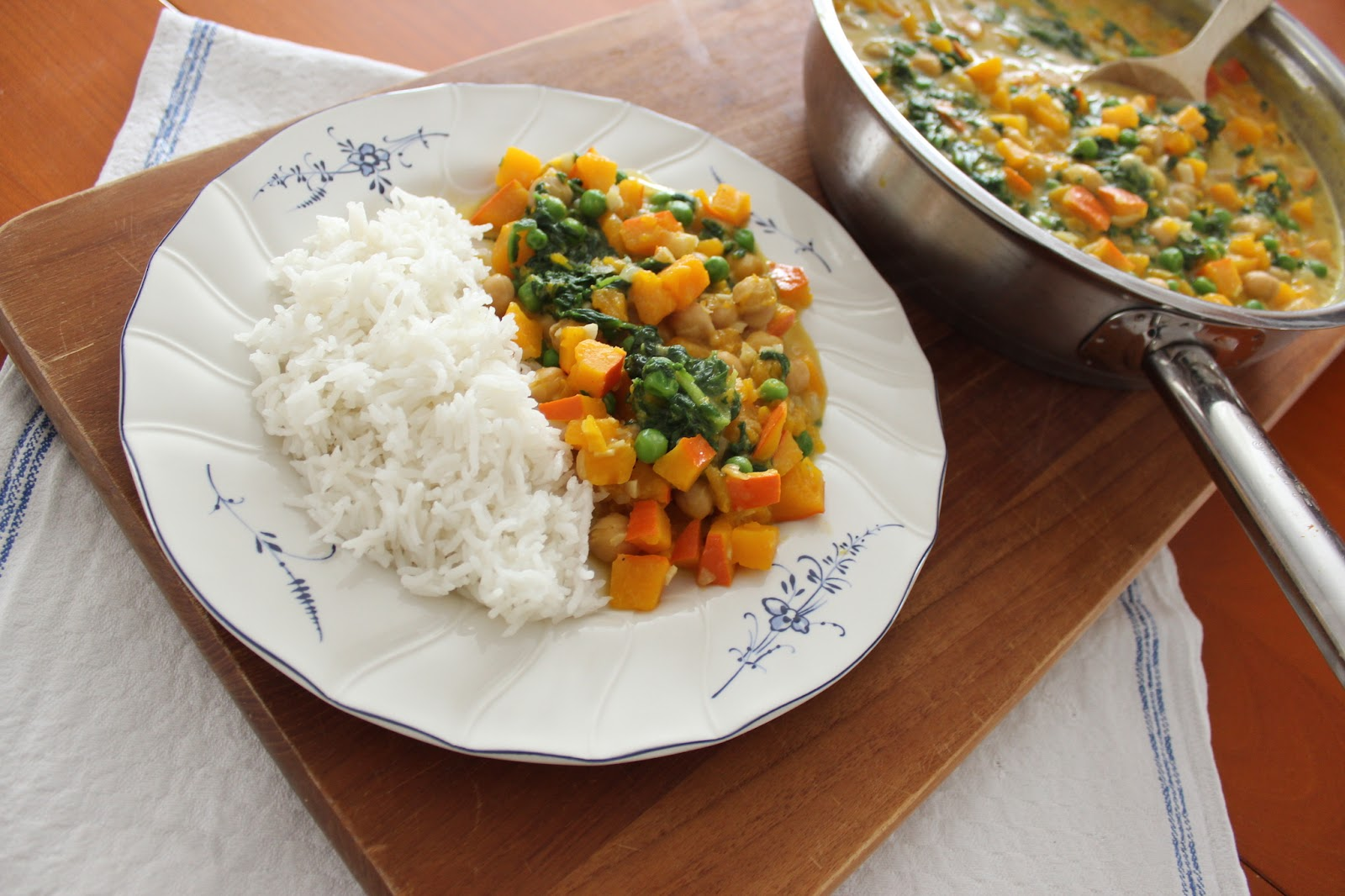 Vegan curry chickpeas pumpkin basmati rice http://theblondelion.blogspot.com/2015/01/food-vegan-curry-chickpeas-pumpkin.html