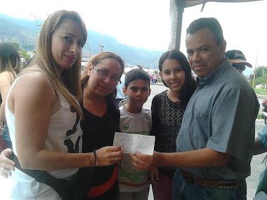 Alcalde Luis Márquez entregó donativo para recuperar ambulancias del hospital de Tovar
