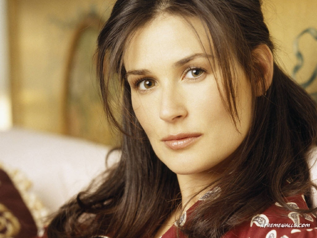 Hot and Sexy Wallpapers: Demi Moore