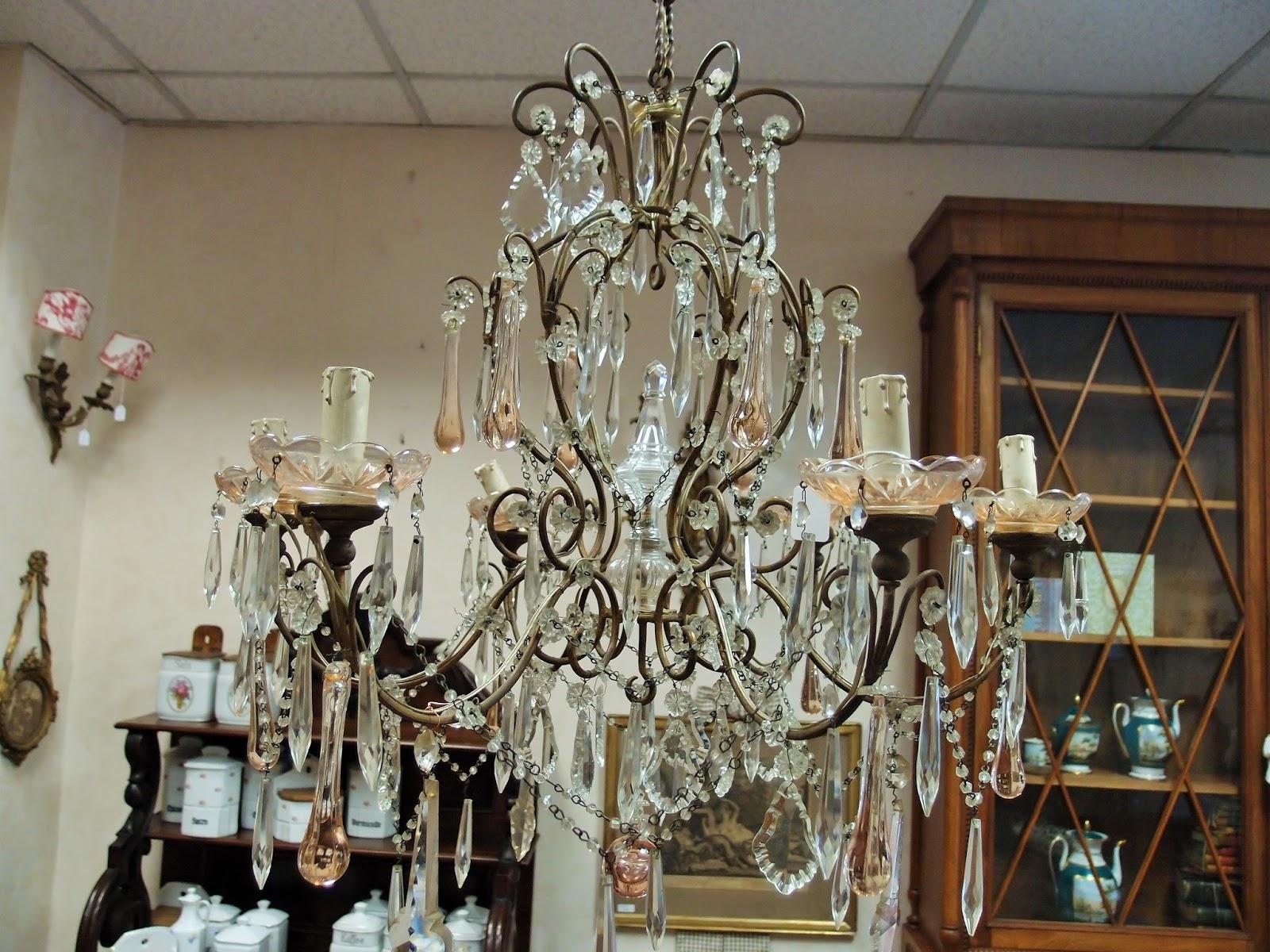 Lampadari antichi : luci romantiche per arredi moderni   Antichità