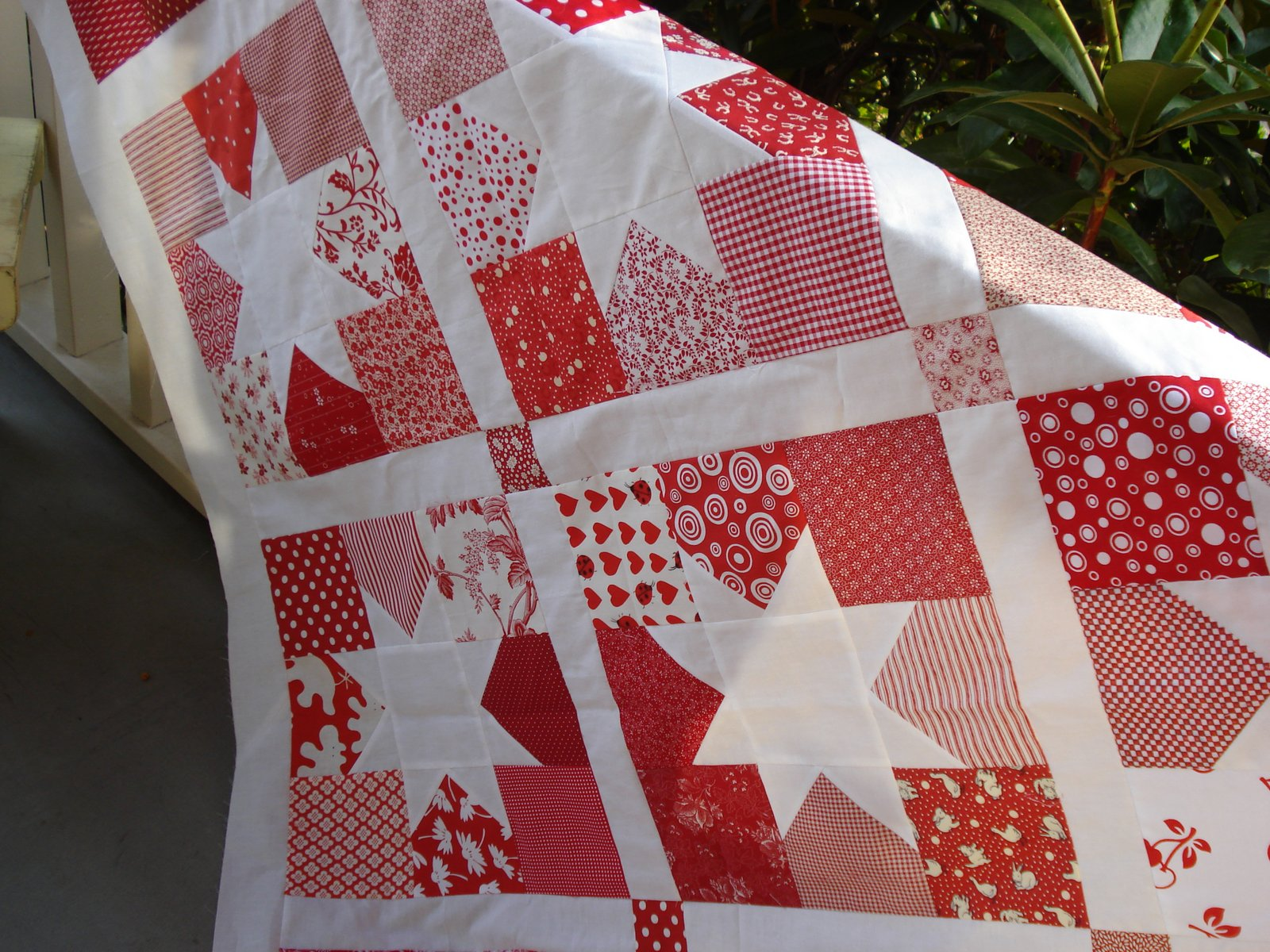 Snippets of a Quilter: Red and White Quilt : red and white quilt - Adamdwight.com