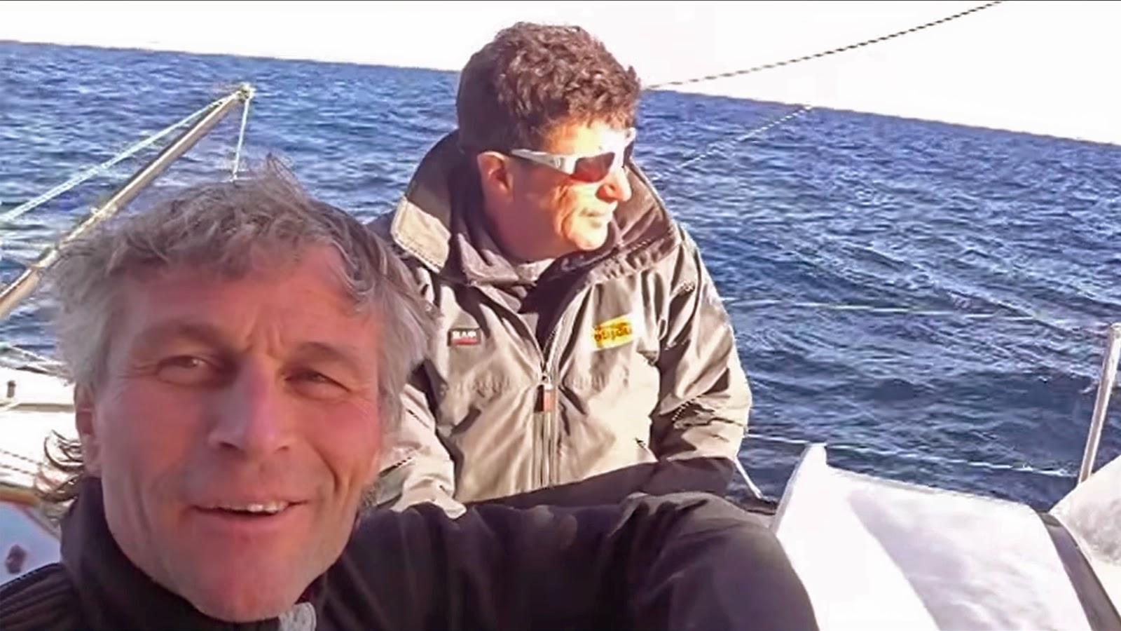 Selfie de Bernard Stamm et Jean Le Cam sur la Barcelona World Race.