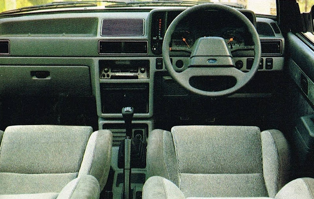 Ford Orion Ghia - interior