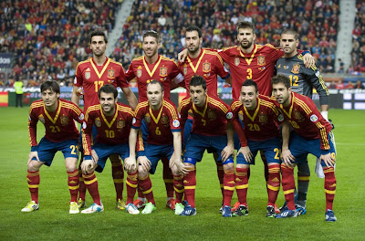 SPAIN FOOTBALL TEAM PHOTO 2013
