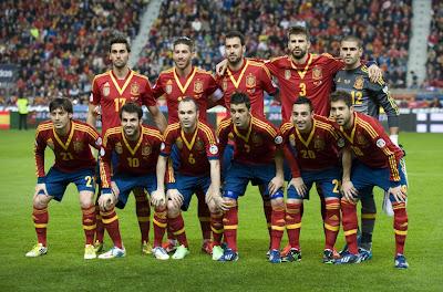 SPAIN FOOTBALL TEAM PHOTO 2013