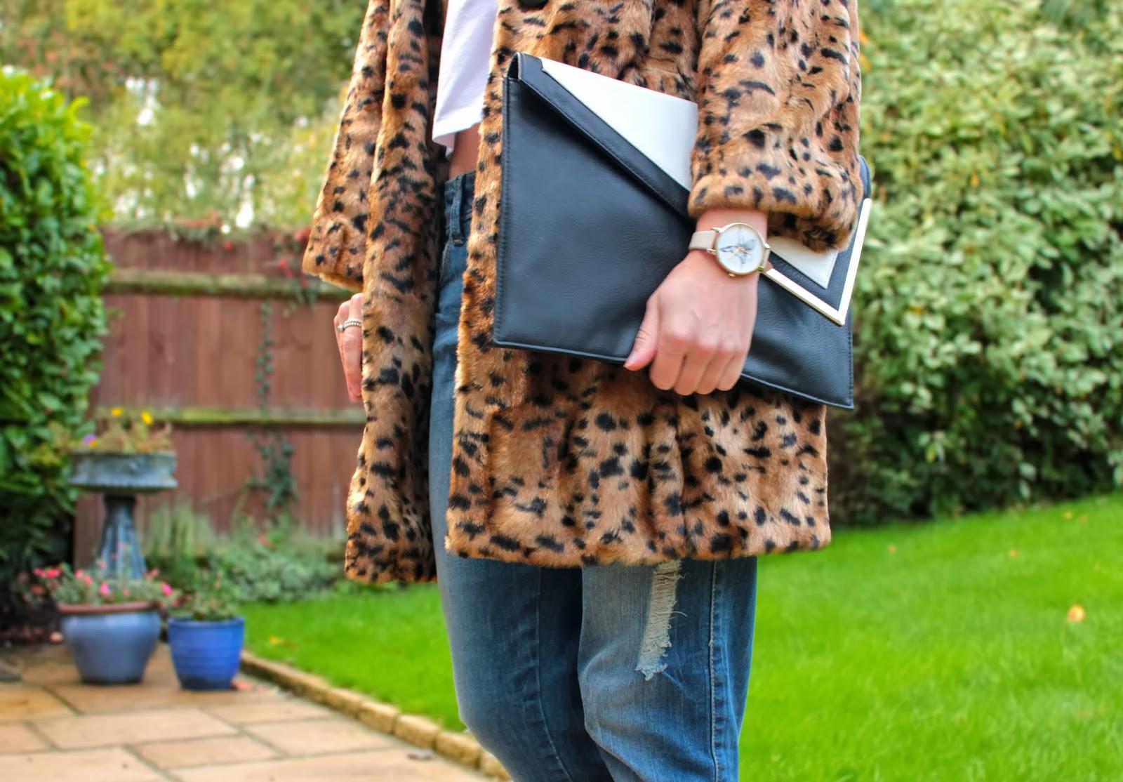 UK fashion blogger styles boyfriend jeans