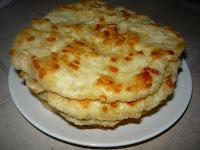 Вкусные тонкие сырные лепешки