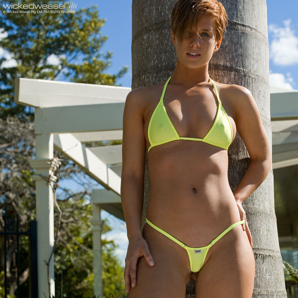 Microminimus Wicked Weasel Sara