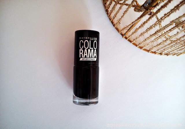 Czarne jak smoła, czyli pomysły na czarne paznokcie