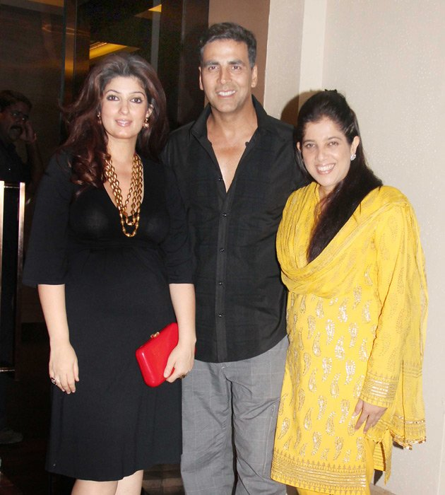 Akshay and Twinkle khanna at sonakshi sinhas bday - (3) -  Sonakshi Sinha celebrates her birthday with Akshay and Prabhudeva