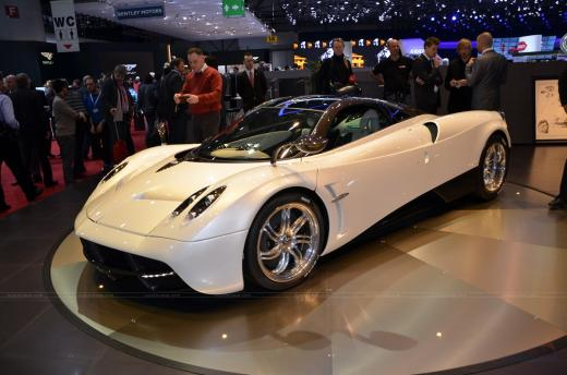 Pagani Huayra White Edition