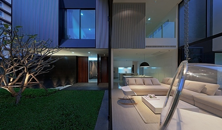 Thin glass wall in Modern mansion in Singapore