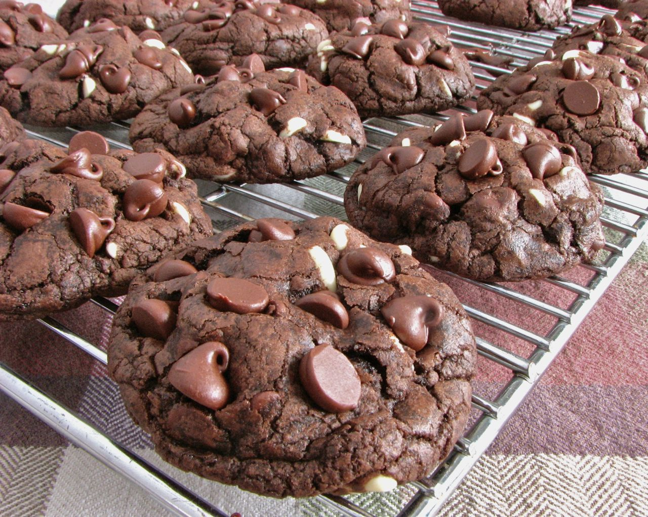 Delectably Mine: Death By Chocolate Chip Cookies