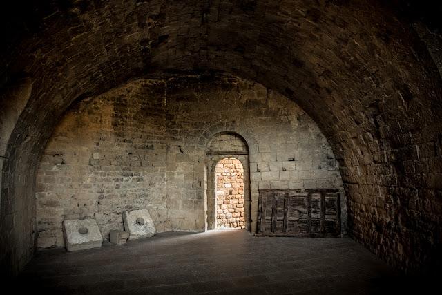 Castillo de Loarre  :: Canon EOS5D MkIII | ISO800 | Canon 24-105 @24mm | f/4.0 | 1/25s