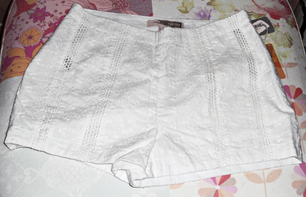 FOREVER21 EXTRA 30% SALE CLOTHING ACCESSORIES overalls cotton shorts daisy necklace