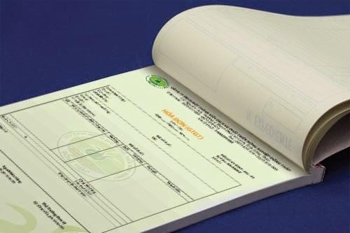 Hóa đơn ghi tên, quốc tịch khách nước ngoài