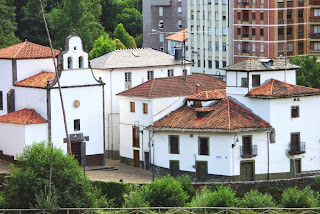 Vista del barrio de Entrambasaguas de Cangas del Narcea