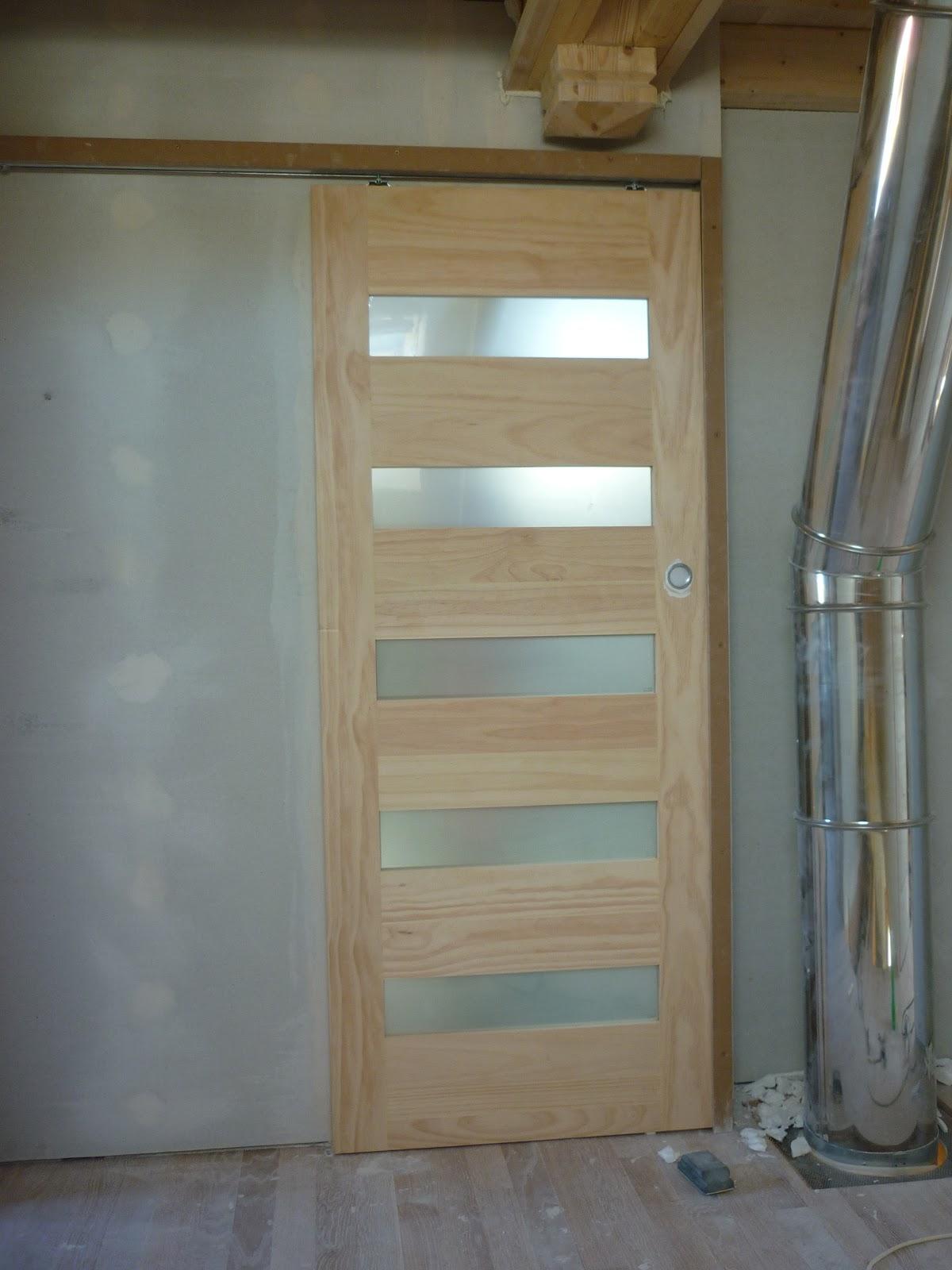 Construction de notre maison agnos salle de bain 1 for Porte salle de bain