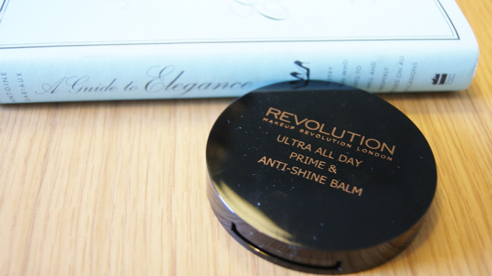 Makeup Revolution All Day Prime & Anti-Shine Balm Pan Compact