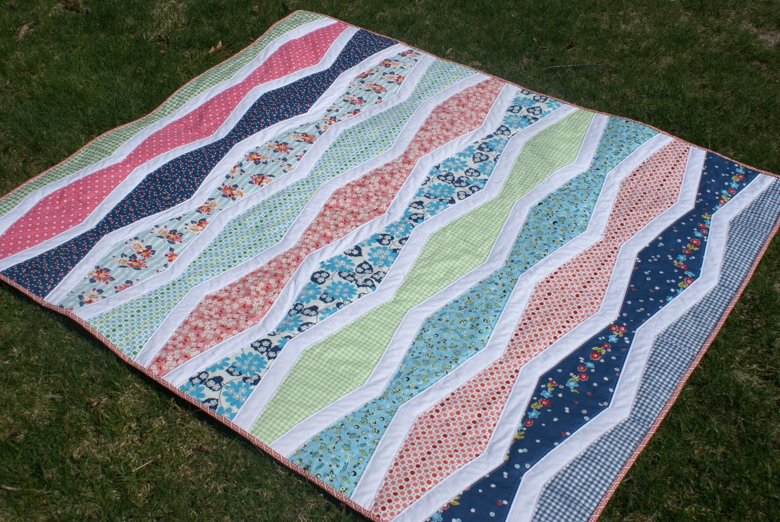 Dresden Lane: DS Quilts Collection New Wave Lap Quilt