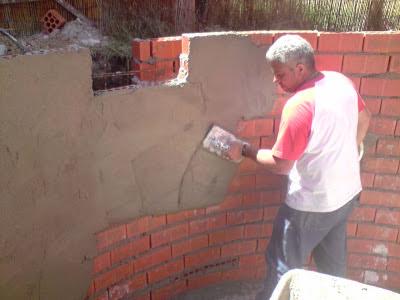 El maestro de obras xavier valderas para recubrir y alisar - Como alisar paredes ...