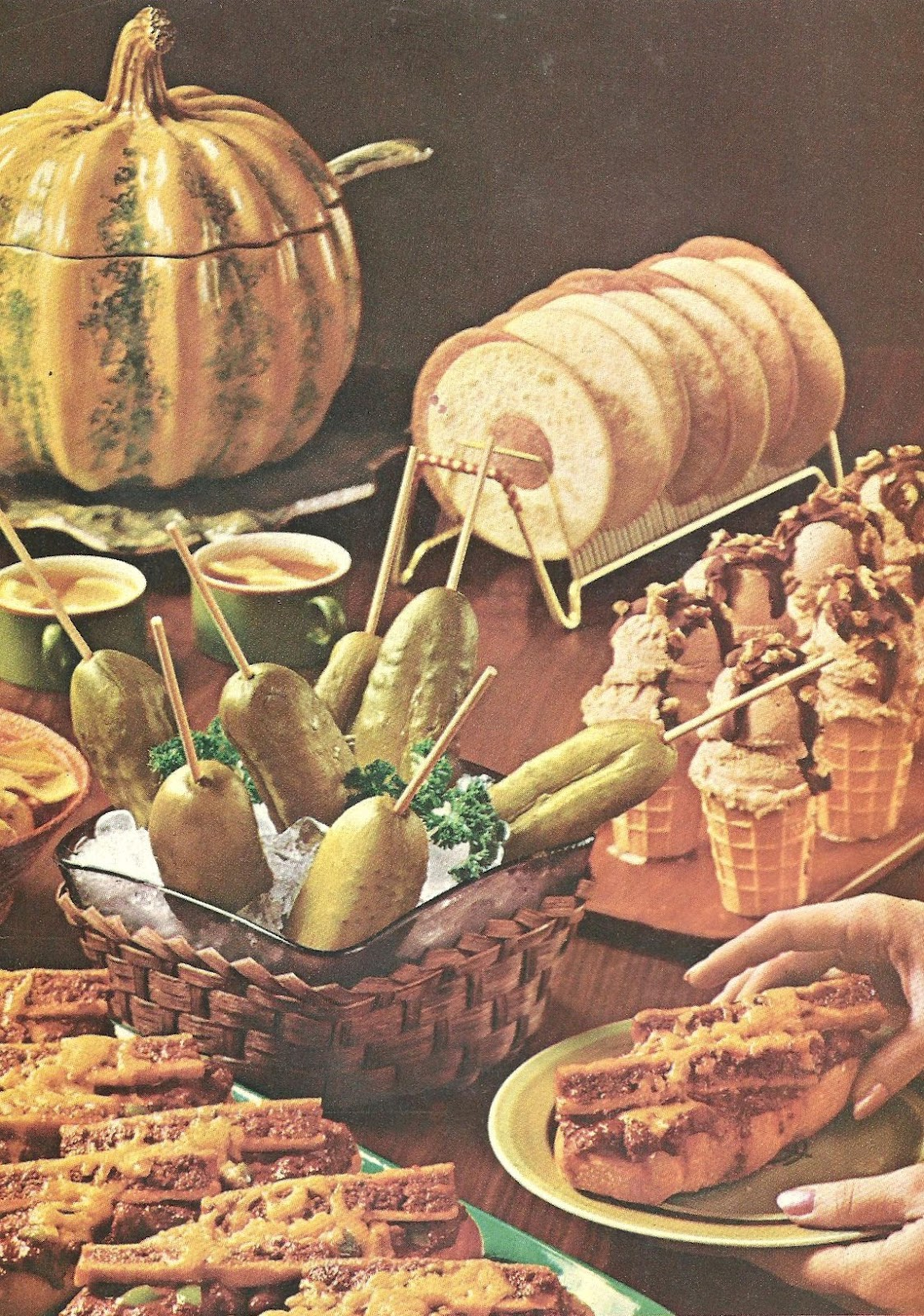 bad and ugly of retro food - Buffet Retro Cuisine