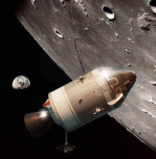 Apollo 8 above Luna