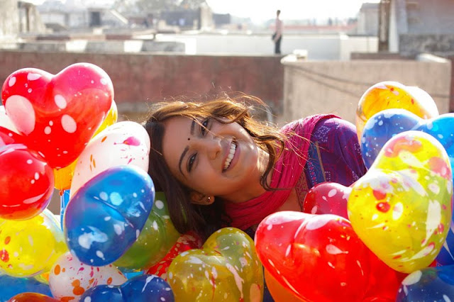 samantha with colorful balloons latest  photos