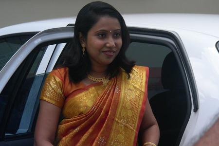 Show saree pictures kerala aunties hot blouse and hot actress hot