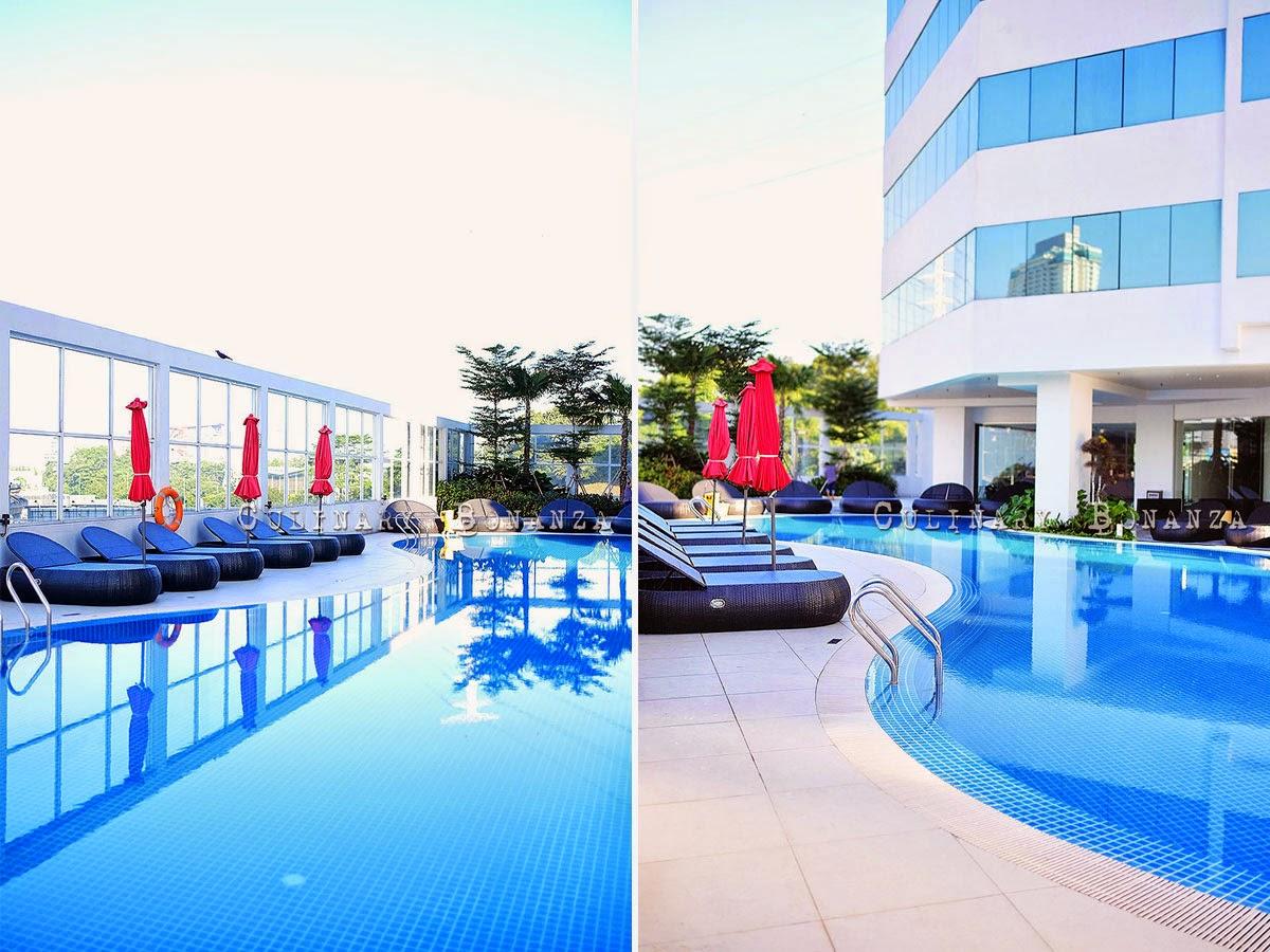 Swimming pool at Pullman Kuala Lumpur Bangsar