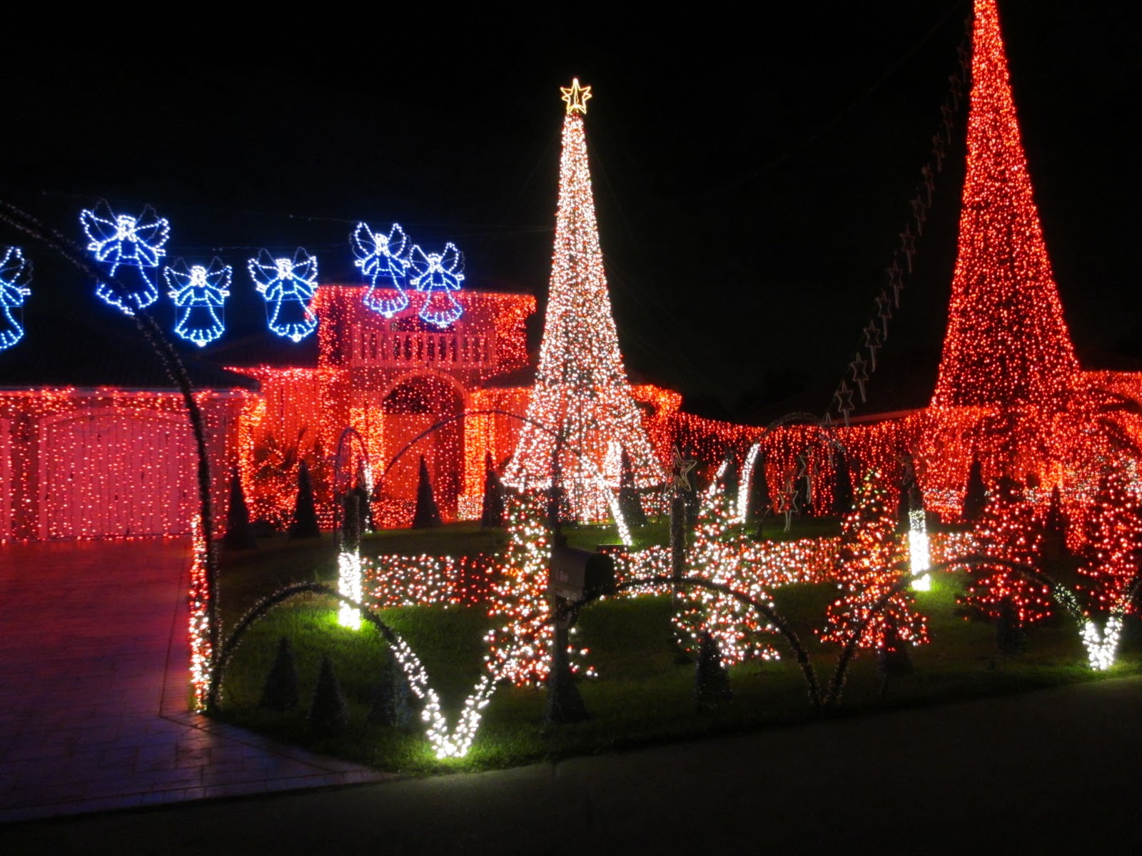 i wanted to share a list of places to see beautiful christmas lights in south florida you can catch a few in some short videos on my youtube channel too to
