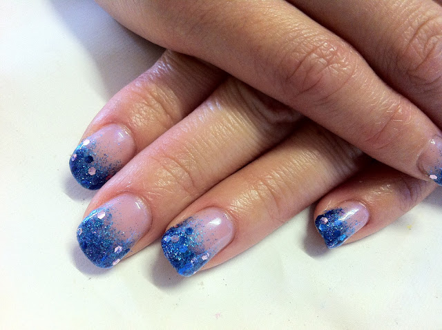 Brush up and Polish up!: CND Shellac Nail Art - Glitter Fade Mermaid