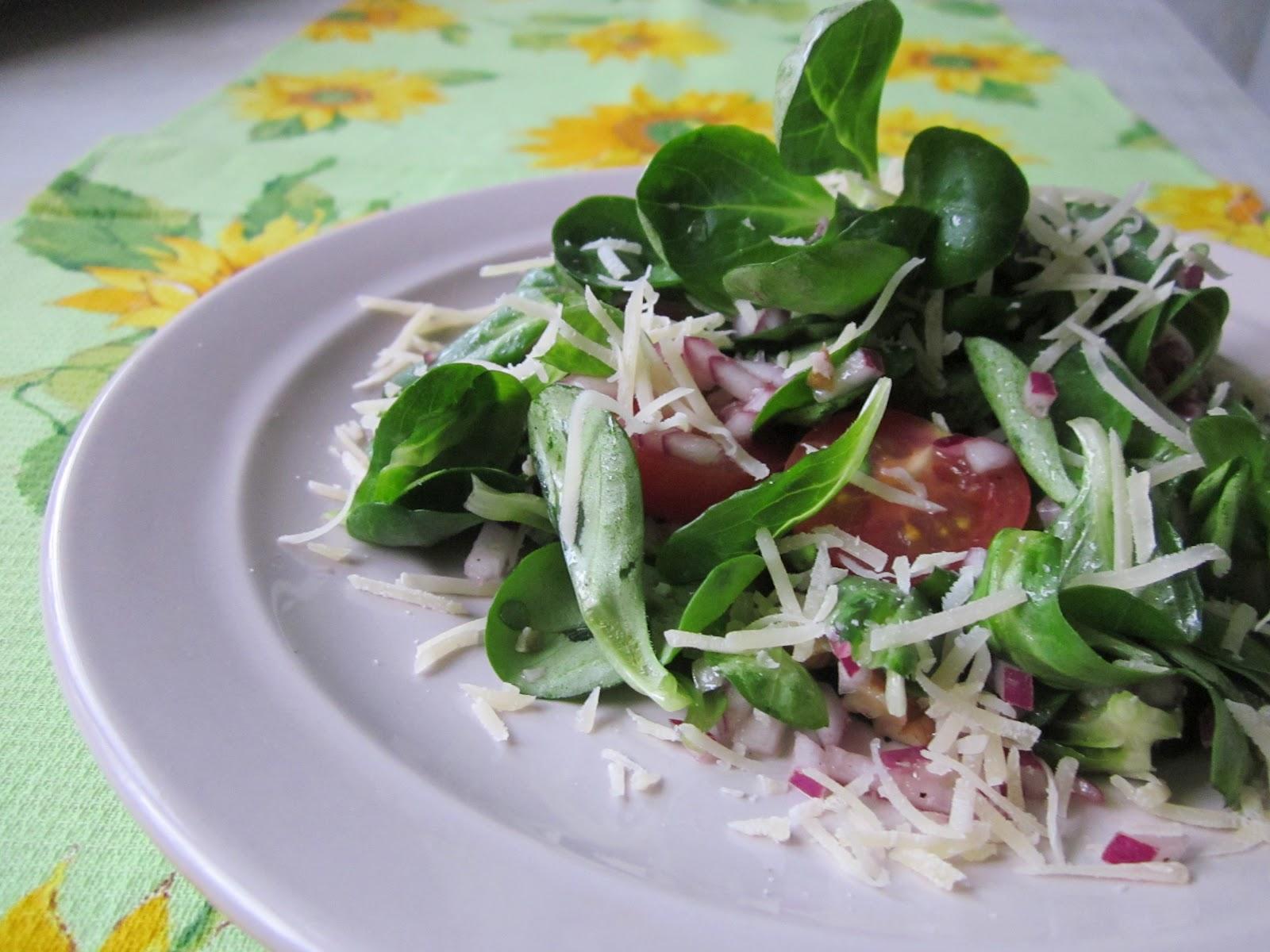 Рецепты салатов с грецкими орехами простые и вкусные