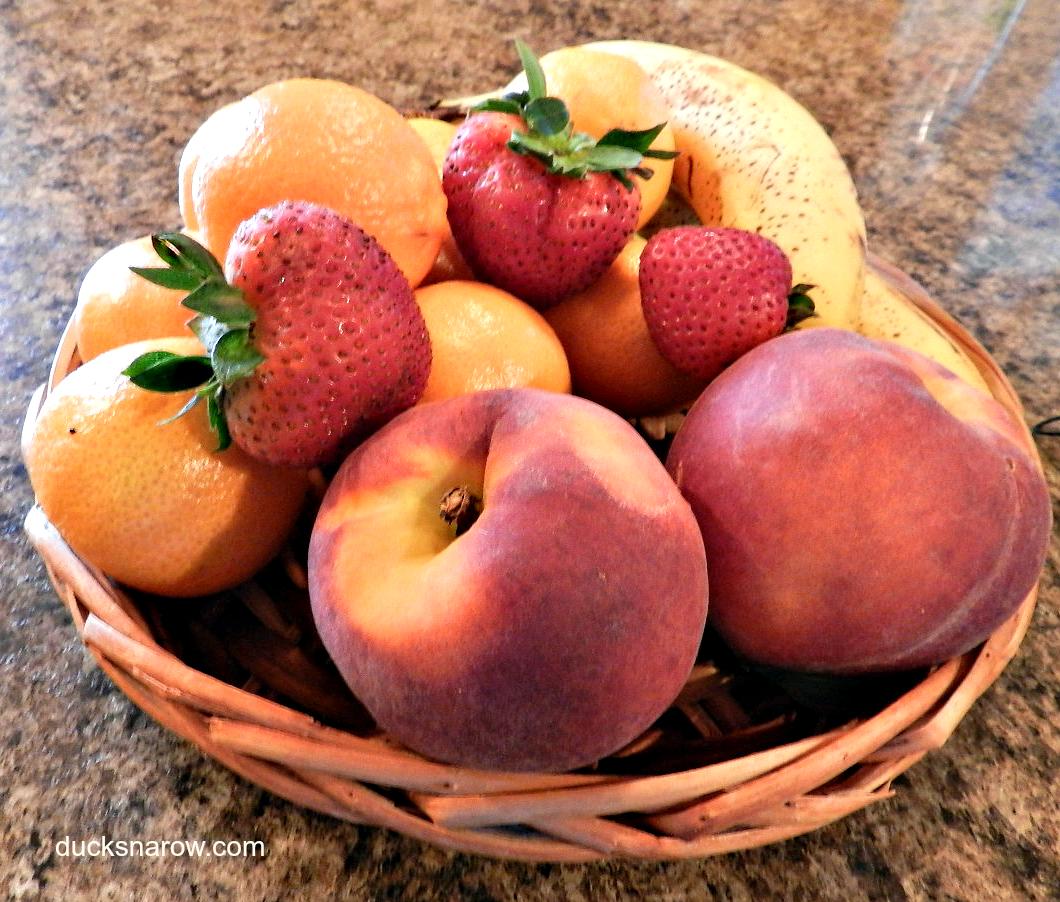berry fruits how do you catch fruit flies